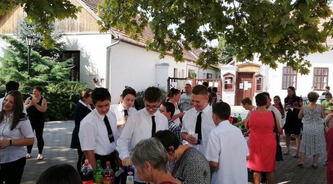 Szeptember 13. Családi istentisztelet a 8. osztályosokkal